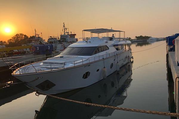 95ft yacht