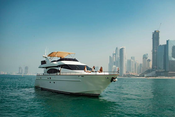 luxury boat dubai